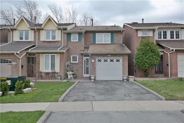 Semi-detached at 2108 Farrier Mews, Mississauga, Ontario. Image 1