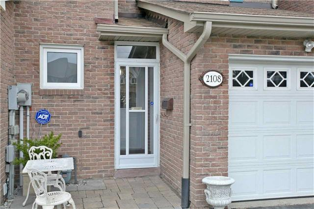 Semi-detached at 2108 Farrier Mews, Mississauga, Ontario. Image 12