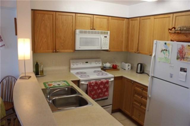 Condo Apartment at 9 Michael Power Pl, Unit 1102, Toronto, Ontario. Image 16