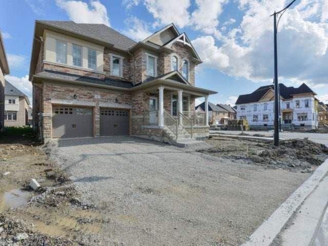 Detached at 1 Mugo Pine St, Brampton, Ontario. Image 9