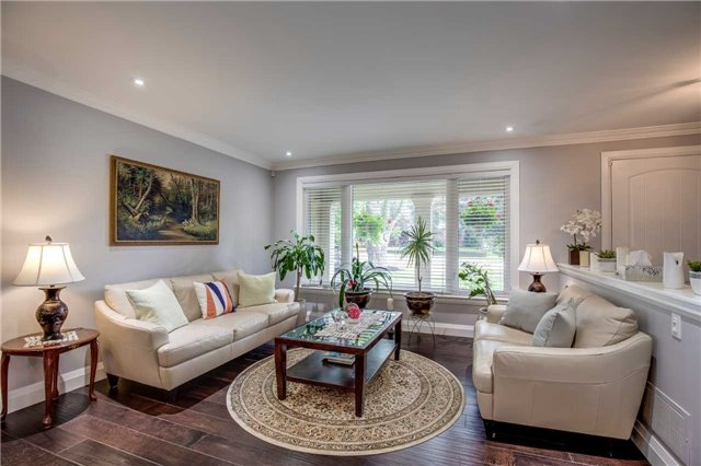 Detached at 272 Third Line, Oakville, Ontario. Image 12