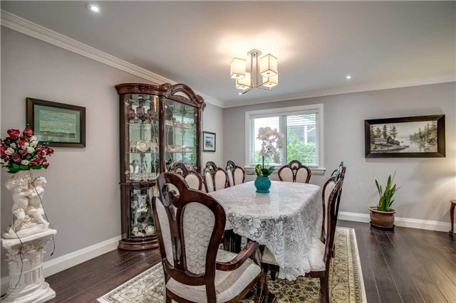 Detached at 272 Third Line, Oakville, Ontario. Image 14
