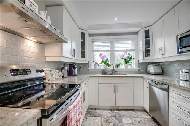 Detached at 272 Third Line, Oakville, Ontario. Image 16