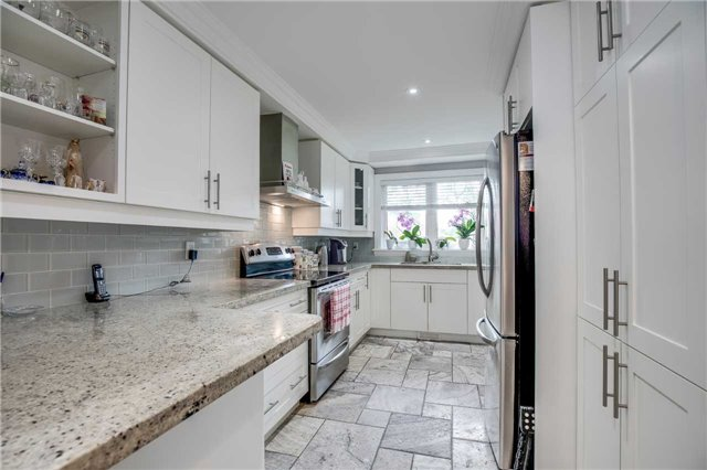 Detached at 272 Third Line, Oakville, Ontario. Image 17