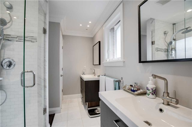 Detached at 272 Third Line, Oakville, Ontario. Image 2