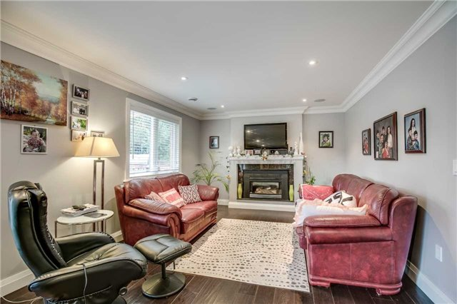 Detached at 272 Third Line, Oakville, Ontario. Image 4