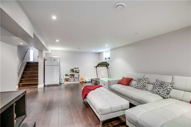 Detached at 272 Third Line, Oakville, Ontario. Image 10