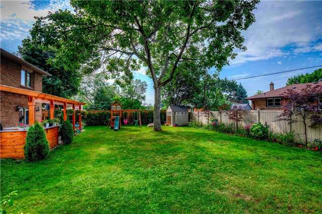Detached at 272 Third Line, Oakville, Ontario. Image 13