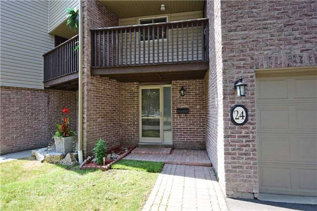 Condo Townhouse at 2075 Asta Dr, Unit 24, Mississauga, Ontario. Image 12