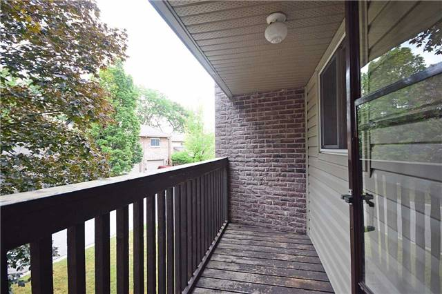 Condo Townhouse at 2075 Asta Dr, Unit 24, Mississauga, Ontario. Image 4