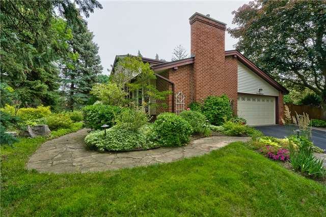 Detached at 171 Blyth Cres, Oakville, Ontario. Image 12