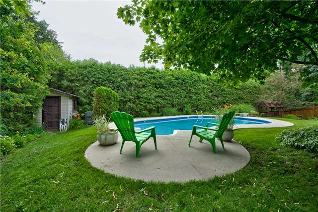 Detached at 171 Blyth Cres, Oakville, Ontario. Image 11