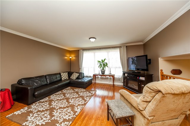 Detached at 320 Bartley Bull Pkwy, Brampton, Ontario. Image 14