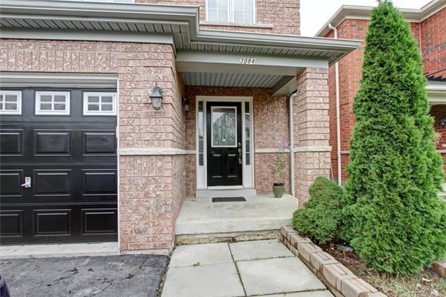 Semi-detached at 3984 Skyview St, Mississauga, Ontario. Image 12