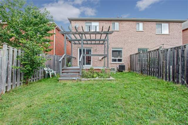 Semi-detached at 3984 Skyview St, Mississauga, Ontario. Image 11
