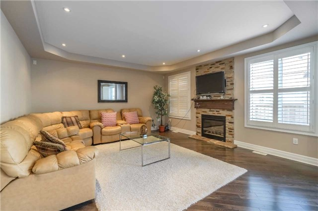 Detached at 953 Drysdale Cres, Milton, Ontario. Image 18