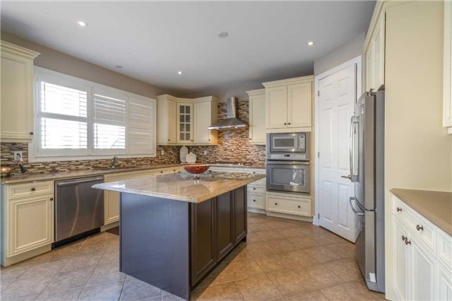 Detached at 953 Drysdale Cres, Milton, Ontario. Image 19