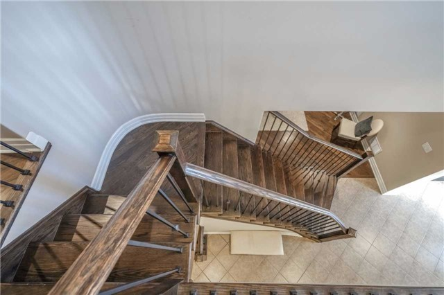 Detached at 953 Drysdale Cres, Milton, Ontario. Image 11