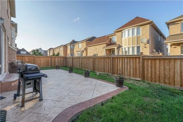 Detached at 953 Drysdale Cres, Milton, Ontario. Image 13