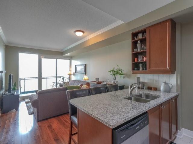 Condo Apartment at 100 John St, Unit 1001, Brampton, Ontario. Image 6