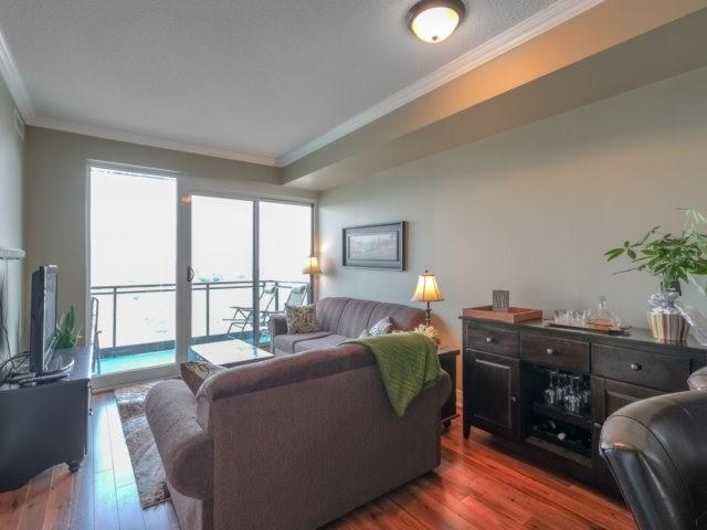 Condo Apartment at 100 John St, Unit 1001, Brampton, Ontario. Image 7
