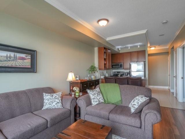 Condo Apartment at 100 John St, Unit 1001, Brampton, Ontario. Image 9