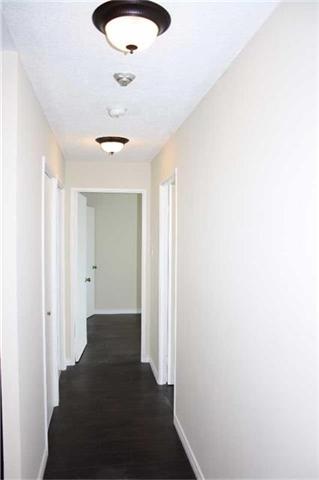 Condo Apartment at 4205 Shipp Dr, Unit 2502, Mississauga, Ontario. Image 2
