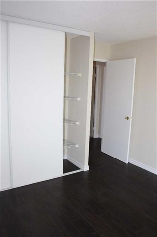 Condo Apartment at 4205 Shipp Dr, Unit 2502, Mississauga, Ontario. Image 7