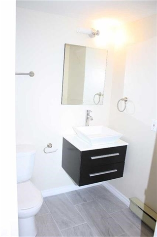 Condo Apartment at 4205 Shipp Dr, Unit 2502, Mississauga, Ontario. Image 10