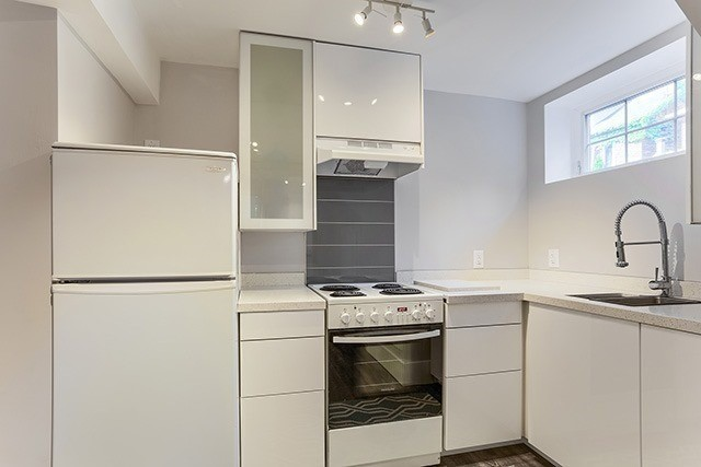 Detached at 53 Pearson Ave, Toronto, Ontario. Image 8