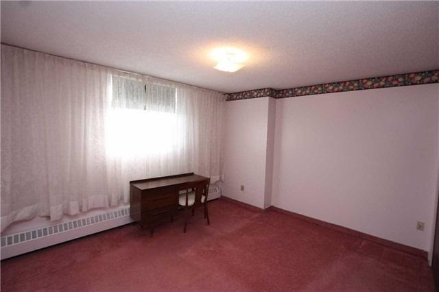 Condo Apartment at 390 Dixon Rd, Unit 1101, Toronto, Ontario. Image 7