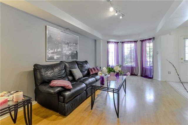 Semi-detached at 102 Roxton Rd, Oakville, Ontario. Image 16