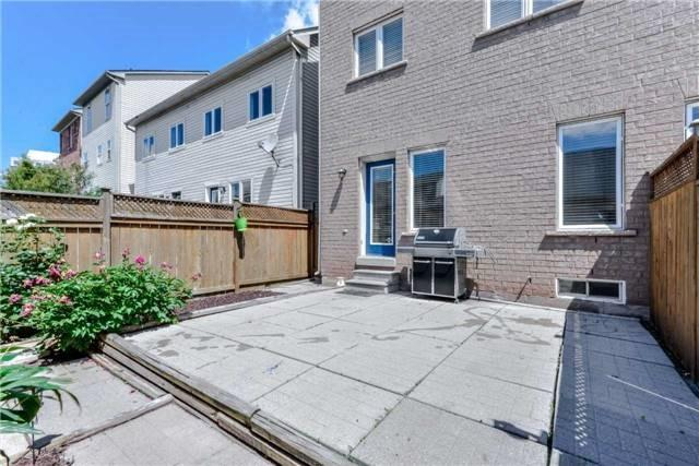 Semi-detached at 102 Roxton Rd, Oakville, Ontario. Image 11