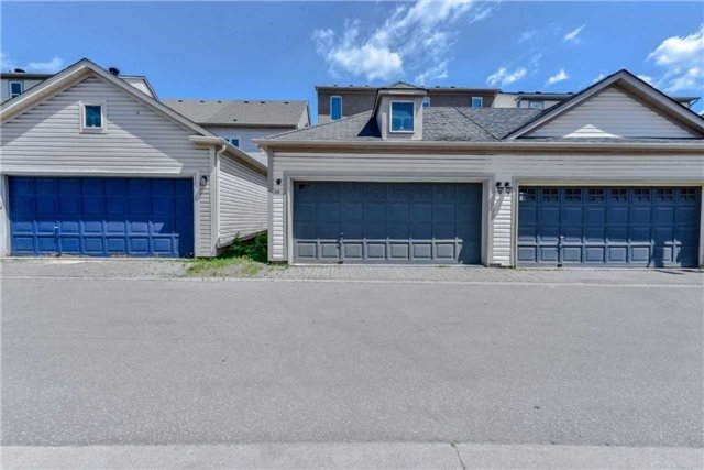 Semi-detached at 102 Roxton Rd, Oakville, Ontario. Image 13