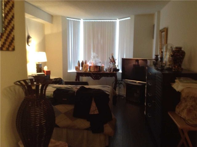 Condo Apartment at 5 Lisa St, Unit 411, Brampton, Ontario. Image 2