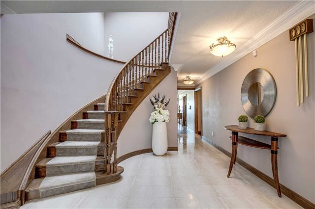 Detached at 496 Richey Cres, Mississauga, Ontario. Image 14