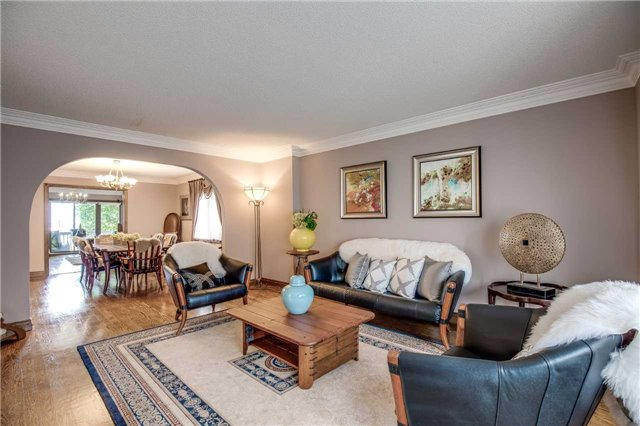 Detached at 496 Richey Cres, Mississauga, Ontario. Image 16