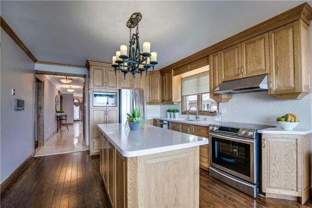 Detached at 496 Richey Cres, Mississauga, Ontario. Image 19