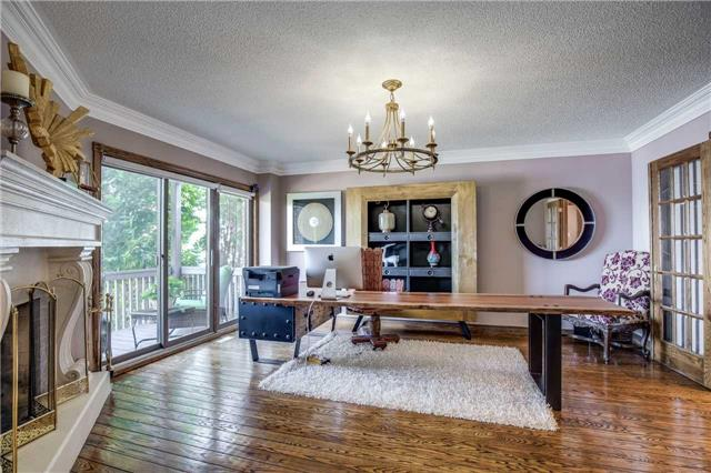 Detached at 496 Richey Cres, Mississauga, Ontario. Image 2