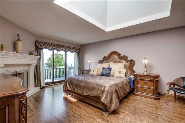 Detached at 496 Richey Cres, Mississauga, Ontario. Image 3