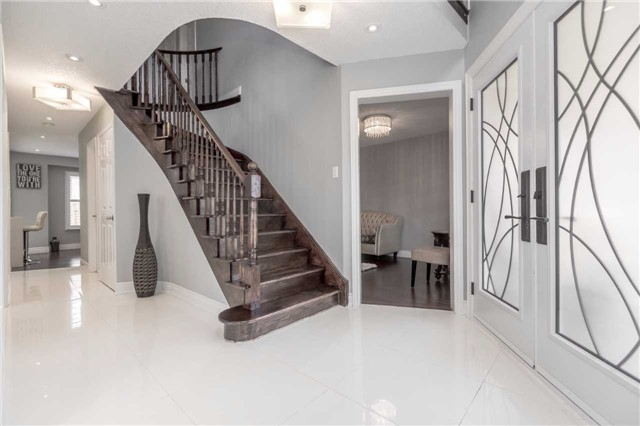 Detached at 141 Ceremonial Dr, Mississauga, Ontario. Image 14