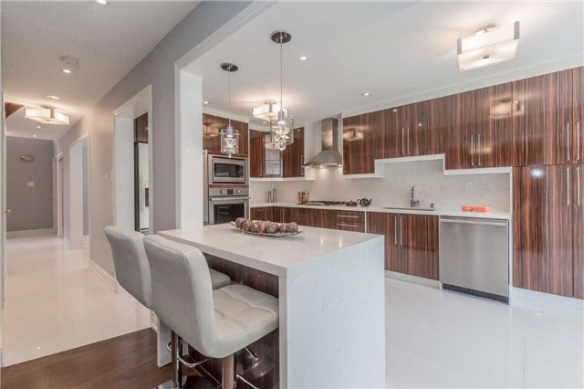 Detached at 141 Ceremonial Dr, Mississauga, Ontario. Image 18