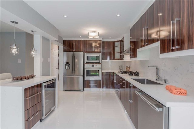 Detached at 141 Ceremonial Dr, Mississauga, Ontario. Image 19