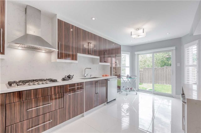 Detached at 141 Ceremonial Dr, Mississauga, Ontario. Image 20