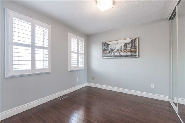 Detached at 141 Ceremonial Dr, Mississauga, Ontario. Image 7