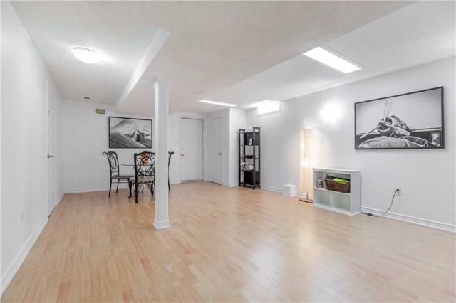 Detached at 141 Ceremonial Dr, Mississauga, Ontario. Image 10