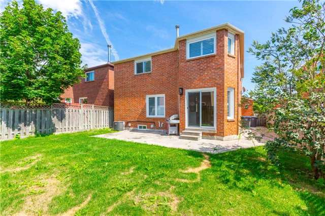 Detached at 141 Ceremonial Dr, Mississauga, Ontario. Image 13