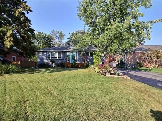 Detached at 245 Hammersmith Crt, Burlington, Ontario. Image 11