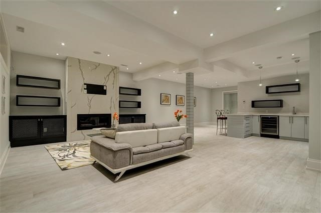 Detached at 168 Brentwood Rd N, Toronto, Ontario. Image 10