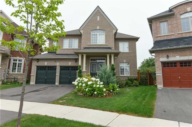 Detached at 56 Midcrest Circ, Brampton, Ontario. Image 1